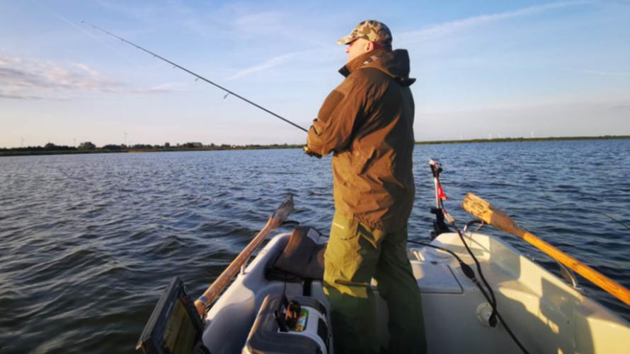Zawody wędkarskie na jeziorze Resko